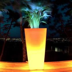 pot de fleur lumineux pot lumineux cache pot lumineux. Black Bedroom Furniture Sets. Home Design Ideas