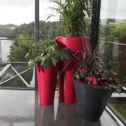 Pot de fleur design bicolore Up M avec réserve d'eau